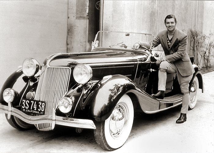 Gable with his Ford Lincoln Zephyr 1937